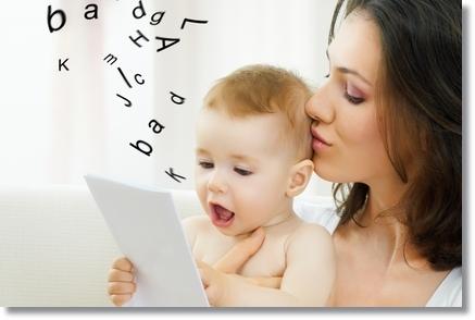 boldog-család-anya-baba-jókedv-beszél mód2